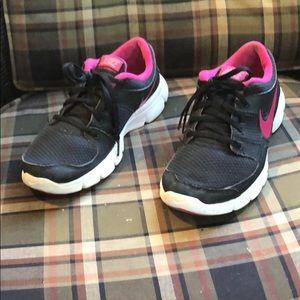 Nike gently worn, size 7.5